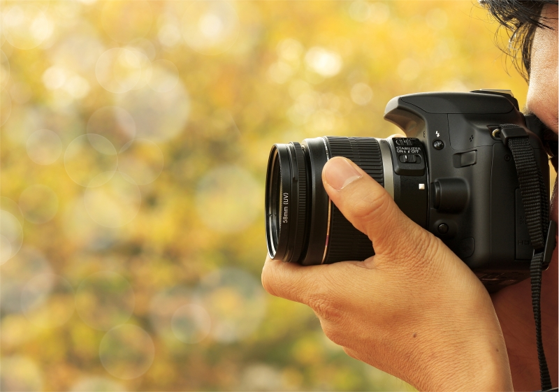 1098674-photographer-taking-a-shoot-with-a-nice-bokeh
